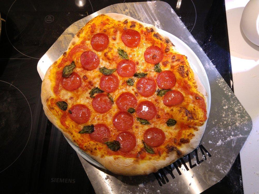 pizza.thumb.jpg.cb65b3b8e036482a124f67d43a7d9b1f.jpg
